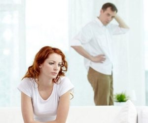 Что делать, если девушку бросил парень без причины? 3 решения проблемы! фото